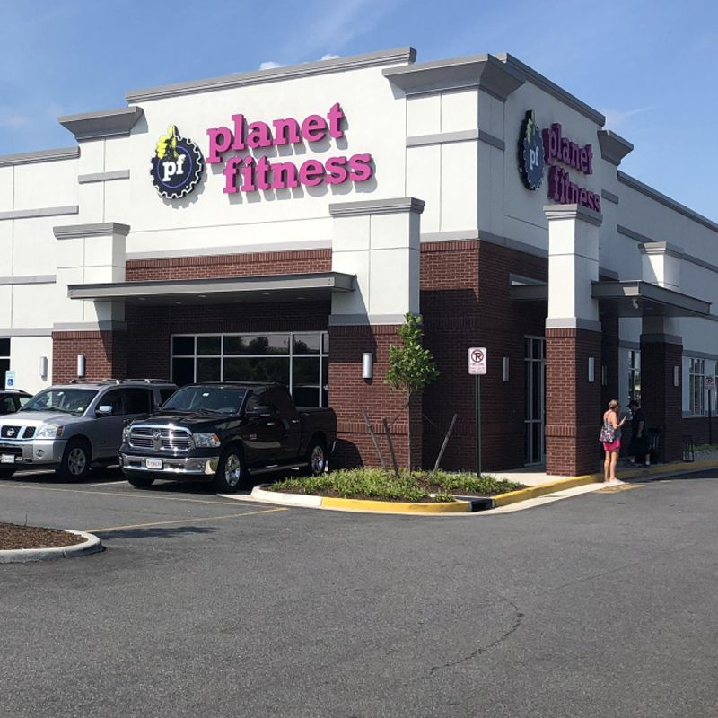 Greenbrier Square Planet Fitness